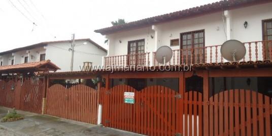 Casa em Condomínio Reformada
