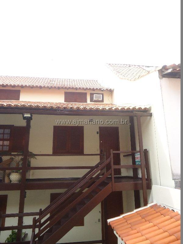 Ótima casa em Condomínio com área de lazer