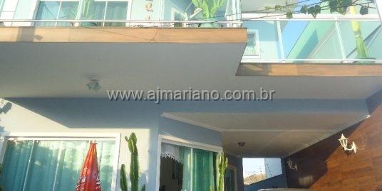 Linda casa duplex no Novo Portinho